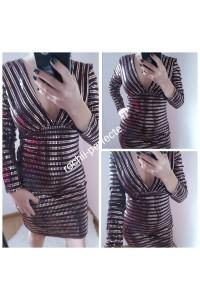 rochie cu aplicatii tip oglinda